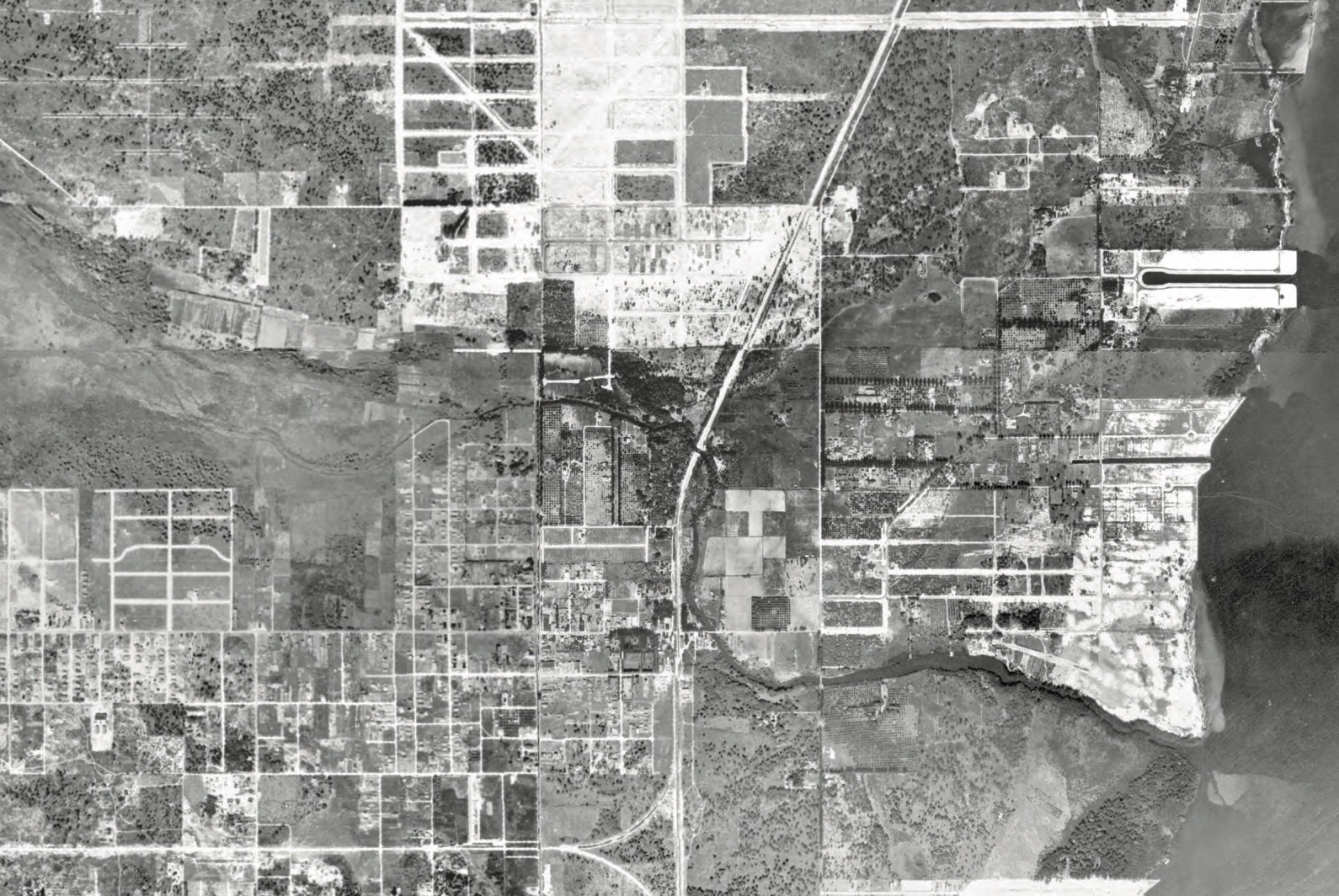 Aerial photograph of the pre-drainage Little River, 1924